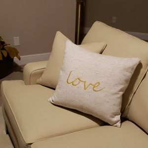 💛NWOT! 'Love' graphics Accent Pillow!